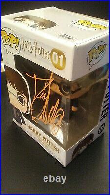 Funko Pop Harry Potter #01 Signed by Daniel Radcliffe + COA